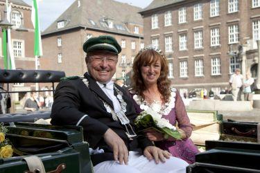 Das Königspaar 2013-2015: Paul-Stephan I. (Schütte) und Margarita I. (Hoven-Bergstein)